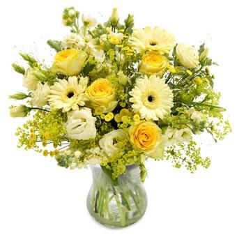 Fantastisk sommarbukett med pigga, gula blommor. Ur Euroflorists sortiment.